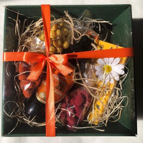 Dāvanu komplekts zaļā kastē